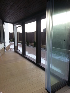 безрамное остекление террасы сложенное стекло(1)
