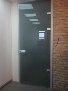 стеклянная дверь из мателюкс в коробке унифлекс