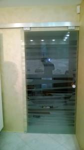 стеклянная сдвижная дверь 7