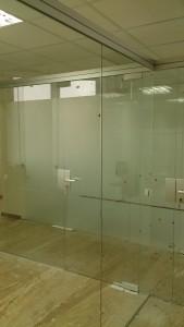 кассовая стеклянная перегородка