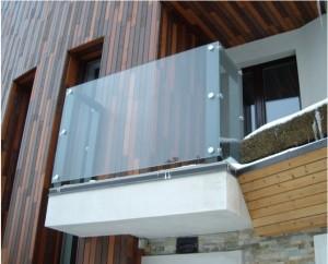 Ограждения балконов из стекла