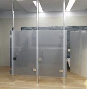 сантехнические кабины из стекла